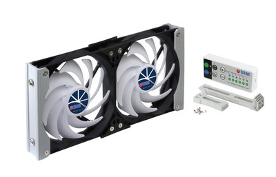 Titan TTC-SC19(A) 12V DC Dubbele ventilatie koelrek RV-ventilator met timer en snelheidssregelaar - inclusief gratis spanningsregelaar.